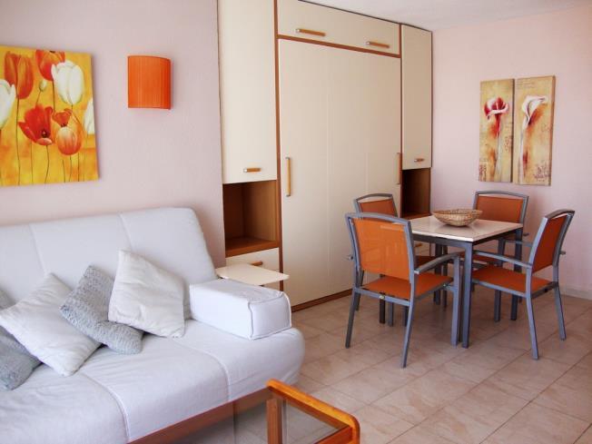 Salón comedor Apartamentos Eurhostal 3000 Alcoceber