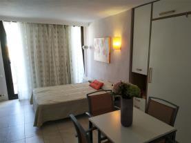 salon-apartamentos-eurhostal-3000-alcoceber-costa-azahar.jpg