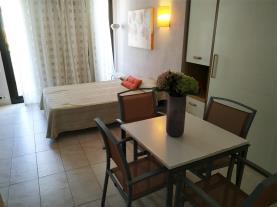 salon-comedor_8-apartamentos-eurhostal-3000alcoceber-costa-azahar.jpg