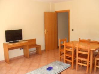 salon-comedor-apartamentos-glac-soldeu-3000-soldeu-estacion-grandvalira.jpg