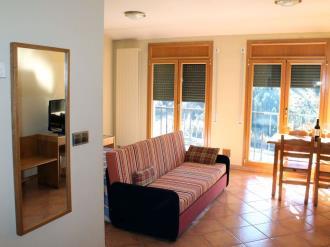 salon-comedor_3-apartamentos-glac-soldeu-3000soldeu-estacion-grandvalira.jpg