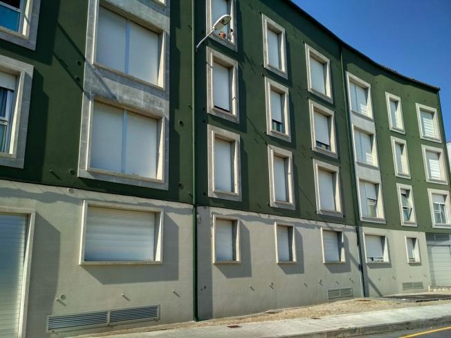 Fachada Verano Apartamentos Pobra do Caramiñal 3000 Pobra do Caramiñal, a