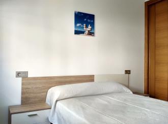 dormitorio_1-apartamentos-pobra-do-caraminal-3000pobra-do-caraminal,-a-galicia_-rias-bajas.jpg