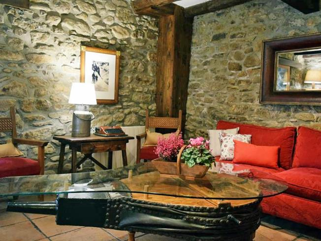 Salón Hotel Casa Marieta Deluxe 3000 Escarrilla