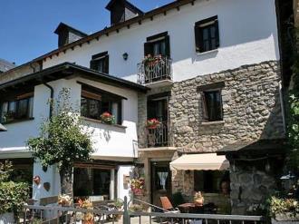 Fachada Verano España Pirineo Aragonés Escarrilla Hotel Casa Marieta Deluxe 3000