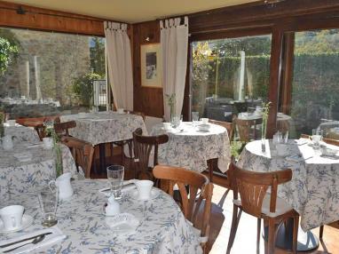 Salón comedor Hotel Casa Marieta Deluxe 3000 Escarrilla