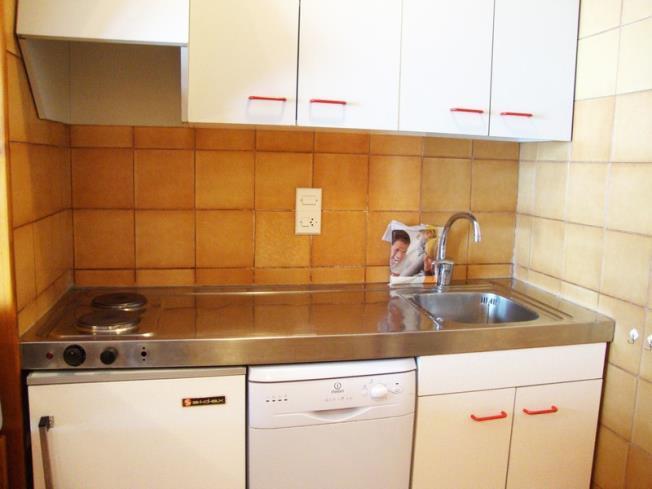cocina_3-apartamentos-paradis-blanc-3000pas-de-la-casa-estacion-grandvalira.jpg