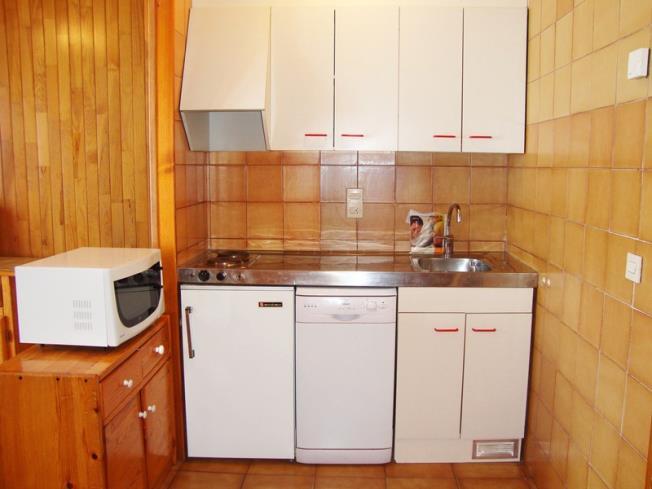 cocina_9-apartamentos-paradis-blanc-3000pas-de-la-casa-estacion-grandvalira.jpg