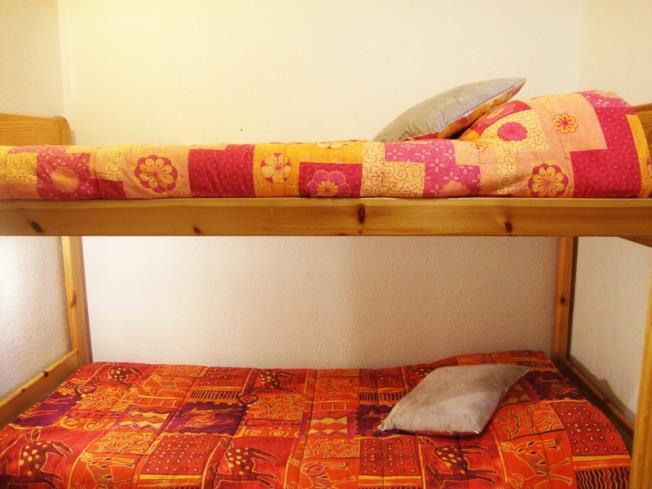 dormitorio_1-apartamentos-paradis-blanc-3000pas-de-la-casa-estacion-grandvalira.jpg
