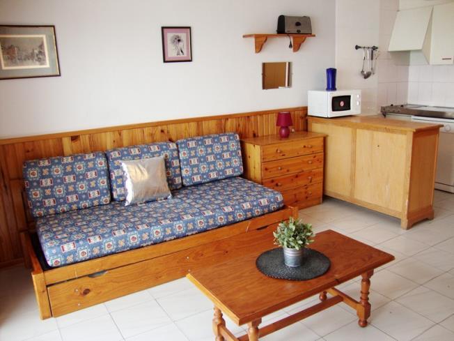 salon-comedor_17-apartamentos-paradis-blanc-3000pas-de-la-casa-estacion-grandvalira.jpg