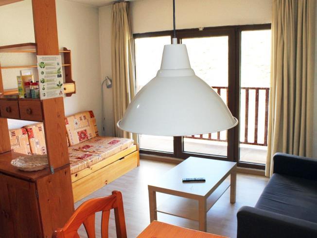 salon-comedor_2-apartamentos-paradis-blanc-3000pas-de-la-casa-estacion-grandvalira.jpg