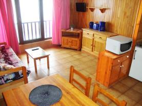 salon-comedor_20-apartamentos-paradis-blanc-3000pas-de-la-casa-estacion-grandvalira.jpg