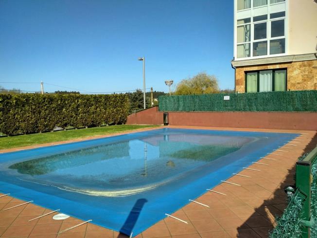 piscina-apartamentos-playa-de-las-catedrales-3000_barreiros-galicia_-rias-altas.jpg