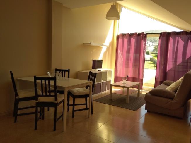 salon-comedor_5-apartamentos-playa-de-las-catedrales-3000-barreiros-galicia_-rias-altas.jpg