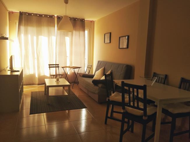 salon-comedor_9-apartamentos-playa-de-las-catedrales-3000-barreiros-galicia_-rias-altas.jpg