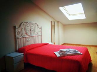 dormitorio_5-apartamentos-playa-de-las-catedrales-3000-barreiros-galicia_-rias-altas.jpg