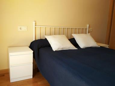 dormitorio_1-apartamentos-playa-de-las-catedrales-3000-barreiros-galicia_-rias-altas.jpg