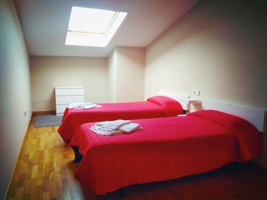 dormitorio_6-apartamentos-playa-de-las-catedrales-3000-barreiros-galicia_-rias-altas.jpg