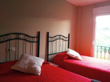 dormitorio_7-apartamentos-playa-de-las-catedrales-3000-barreiros-galicia_-rias-altas.jpg