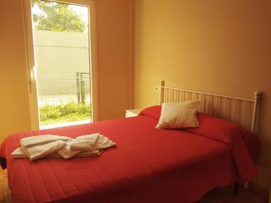dormitorio_9-apartamentos-playa-de-las-catedrales-3000-barreiros-galicia_-rias-altas.jpg