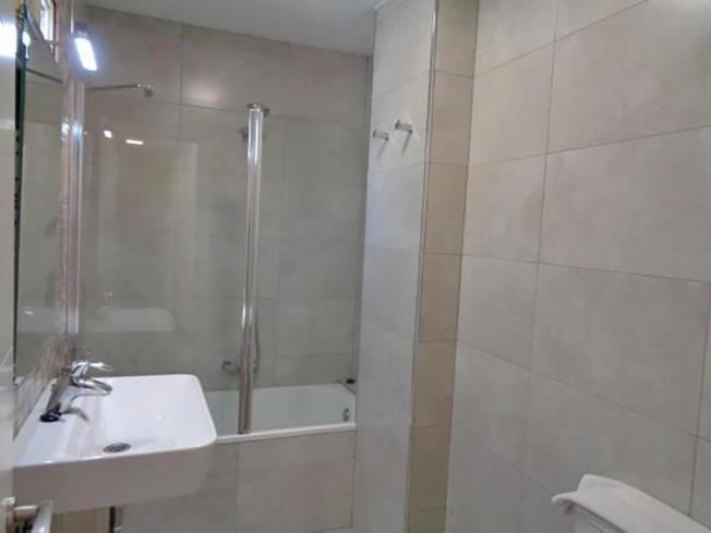 Baño Apartamentos Ramirez 3000 Granada