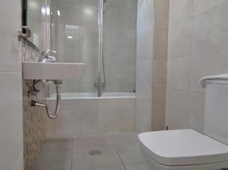 bano-apartamentos-ramirez-3000-granada-andalucia.jpg