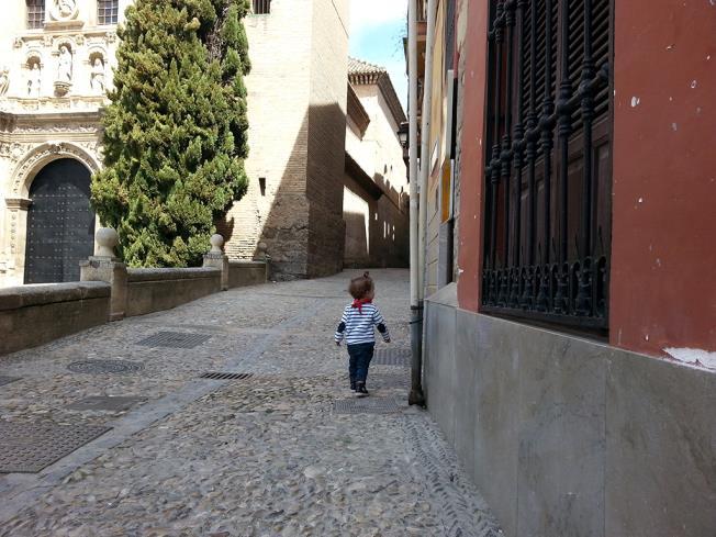 exterior_3-apartamentos-valentina-deluxe-3000granada-andalucia.jpg