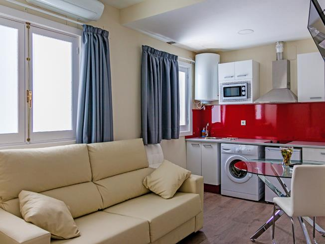 salon-comedor_4-apartamentos-valentina-deluxe-3000granada-andalucia.jpg