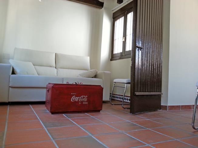 salon_13-apartamentos-valentina-deluxe-3000granada-andalucia.jpg