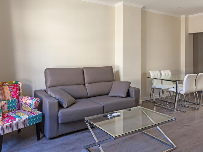 salon_9-apartamentos-valentina-deluxe-3000granada-andalucia.jpg