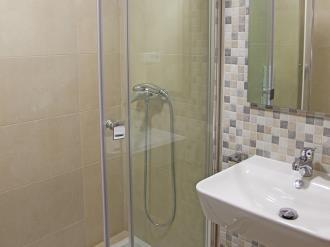 bano_3-apartamentos-valentina-deluxe-3000granada-andalucia.jpg