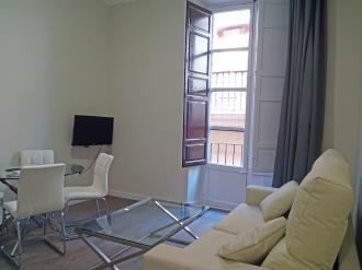 salon-comedor_2-apartamentos-valentina-deluxe-3000granada-andalucia.jpg