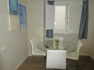 salon-comedor_7-apartamentos-valentina-deluxe-3000granada-andalucia.jpg