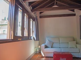 salon_10-apartamentos-valentina-deluxe-3000granada-andalucia.jpg