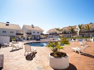 piscina-villas-sierramar-peniscola-3000-peniscola-costa-azahar.jpg