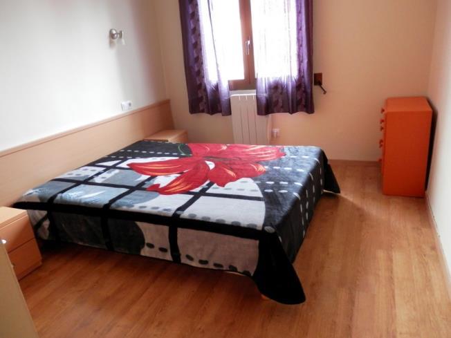 dormitorio_2-apartamentos-pantebre-3000pas-de-la-casa-estacion-grandvalira.jpg