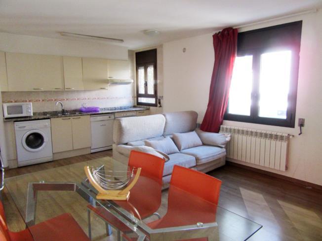 salon_1-apartamentos-pantebre-3000pas-de-la-casa-estacion-grandvalira.jpg