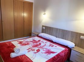 dormitorio-7-apartamentos-pantebre-3000pas-de-la-casa-estacion-grandvalira.jpg
