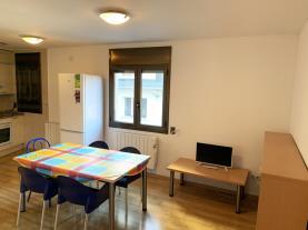 salon-comedor_2-apartamentos-pantebre-3000pas-de-la-casa-estacion-grandvalira.jpg