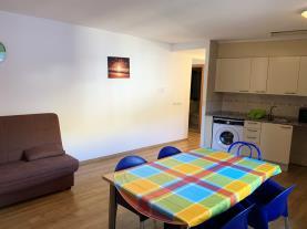 salon-comedor_3-apartamentos-pantebre-3000pas-de-la-casa-estacion-grandvalira.jpg
