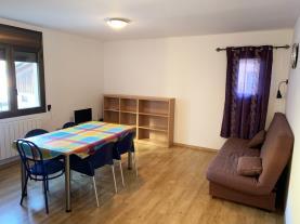 salon-comedor_6-apartamentos-pantebre-3000pas-de-la-casa-estacion-grandvalira.jpg