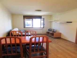salon_4-apartamentos-pantebre-3000pas-de-la-casa-estacion-grandvalira.jpg