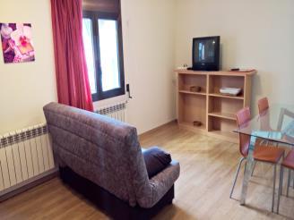 salon_5-apartamentos-pantebre-3000pas-de-la-casa-estacion-grandvalira.jpg