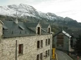 Vistas-Apartamentos-Tramacastilla-3000--y-varios-TRAMACASTILLA-DE-TENA-Pirineo-Aragonés.jpg
