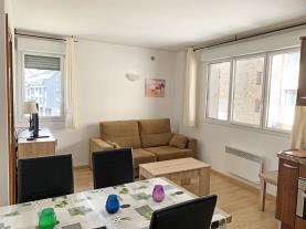 salon-comedor-4-apartamentos-araco-3000pas-de-la-casa-estacion-grandvalira.jpg