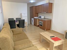 salon-comedor-5-apartamentos-araco-3000pas-de-la-casa-estacion-grandvalira.jpg