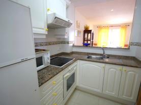 cocina-1-apartamentos-las-vegas-3000peniscola-costa-azahar.jpg