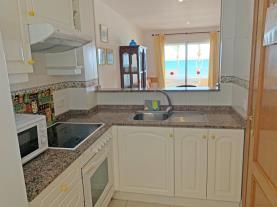 cocina-2-apartamentos-las-vegas-3000peniscola-costa-azahar.jpg