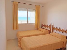 dormitorio-9-apartamentos-las-vegas-3000peniscola-costa-azahar.jpg