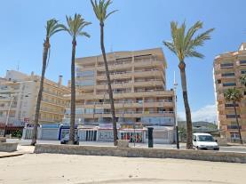 fachada-verano-4-apartamentos-las-vegas-3000peniscola-costa-azahar.jpg